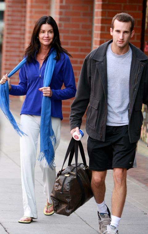Celebrity Sightings In Los Angeles - December 31, 2009