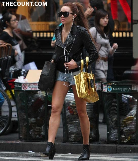 Amanda Bynes Looking So Different Walking In NYC