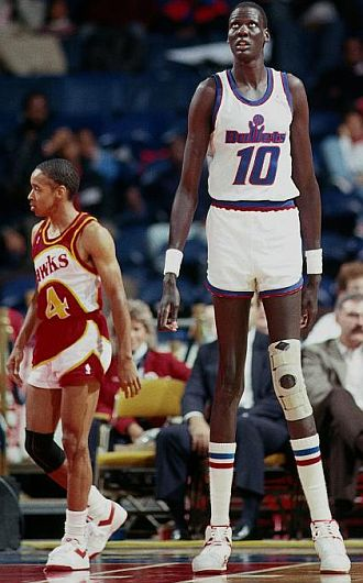 Basketball Legend 7 Foot 7 Manute Bol Dead at 47