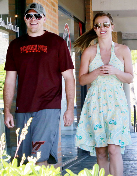 1363297100_britney-spears-david-lucado-lg