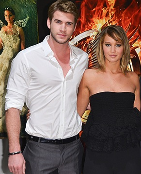 1368887934_hemsworth-jennifer-lawrence-claflin-catching-fire_1