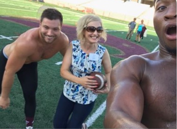 Cougar Mom Drops Freshman Daughter Off At College Mom Goes Viral In Process