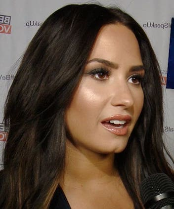 6ecdb4d24a0 Demi Lovato Deletes Twitter After Roasted Over 21 Savage Super Bowl ...