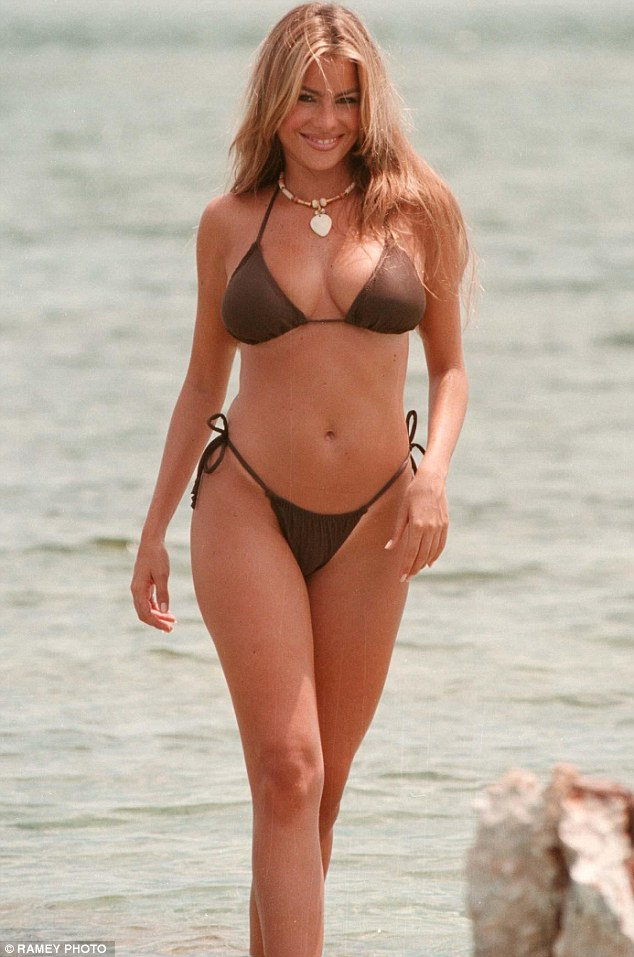 26 Sofia Vergara In SEXY Bikini 2