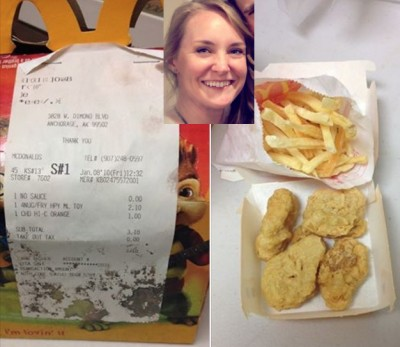 6 year old happy meal mcdonalds 1 400x347 Woman Saves McDonalds Happy Meal For 6 Years, Posts Photo