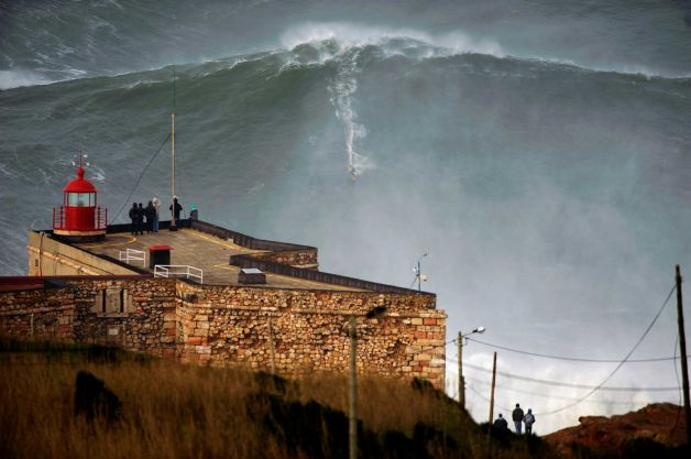 628x4713 Surfer Sets Record Riding Massive 10 STORY HIGH WAVE (amazing photo)