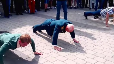 77 year old vet beats teens pushup contest
