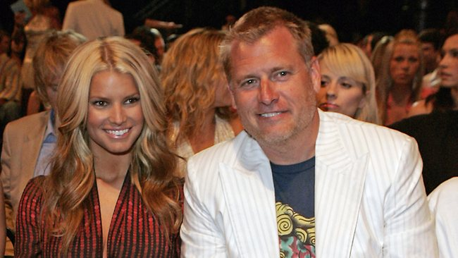 770682 jessica simpson and joe simpson Think Miley Cyrus Is Something New? Then You Dont Remember Jessica Simpson!