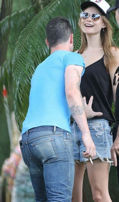 ALevineugsmoking Need to End Your Adam Levine Obsession? Check Out These Horrible Pics