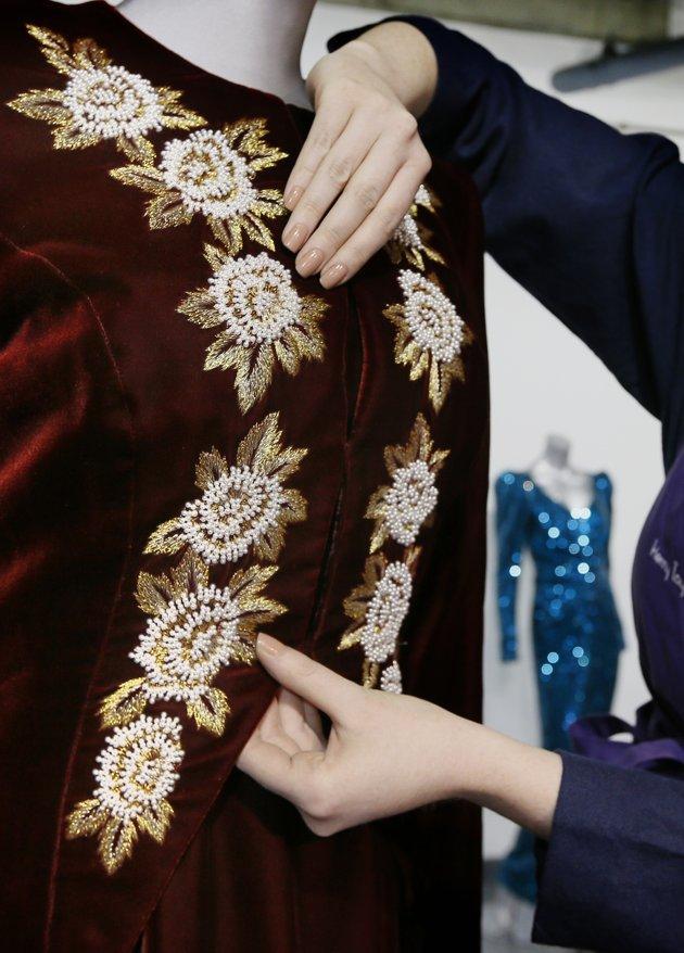 AP587265027733 jpg 143651 Princess Diana Gown Worn Dancing With John Travolta Hits The Auction Block