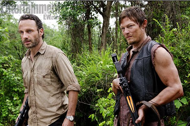 Andrew-Lincoln-and-Norman-Reedus-in-The-Walking-Dead-Season-3