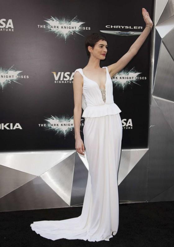 Anne Hathaway PLEASE Get A New Stylist! Dark Knight Rises Premiere Fashion Fail