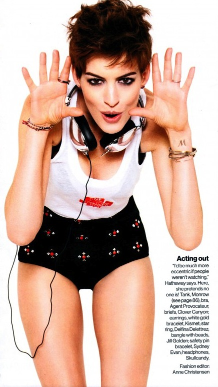 Anne Hathaway for Glamour 02 560x777 1 Anne Hathaway AWFUL Photos Streak Continues