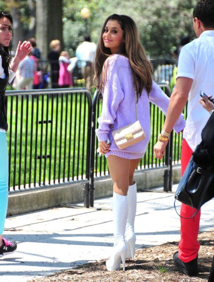 Ariana-Grande--2014-White-House-Easter-Egg-Roll---02-720x947