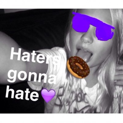Ariana Grande Fans Post DONUT LICKING Photos 9