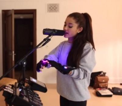 Ariana Grande mimu gloves 5