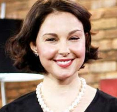 AshleyJuddface Ashley Judd Gives Lengthy Response to Fat Criticism