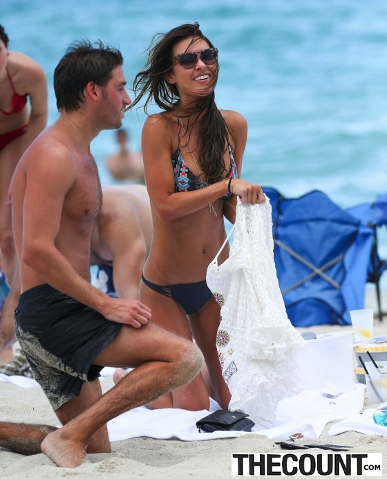 Audrina-Patridge---Wearing-Bikini-in-Miami---12-560x693