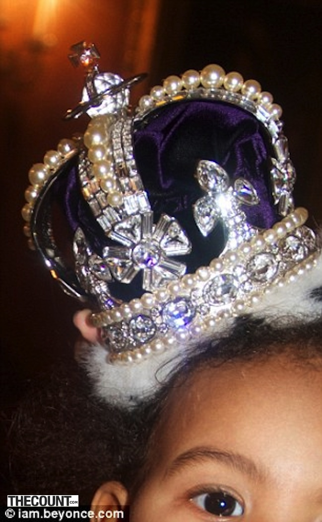 Blue Ivy in crown Beyonce Shares Photo Of Blue Ivy In Crown