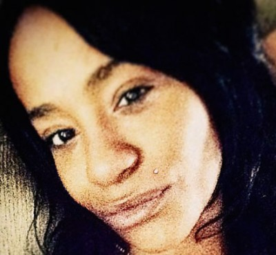 Bobbi Kristina died1 400x369 Bobbi Kristina PHOTO IN CASKET Leaks