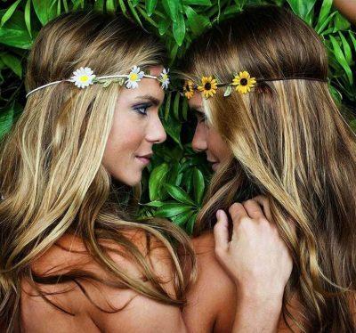 Brazilian twins Bia Branca Feres Synchronized Swimmers