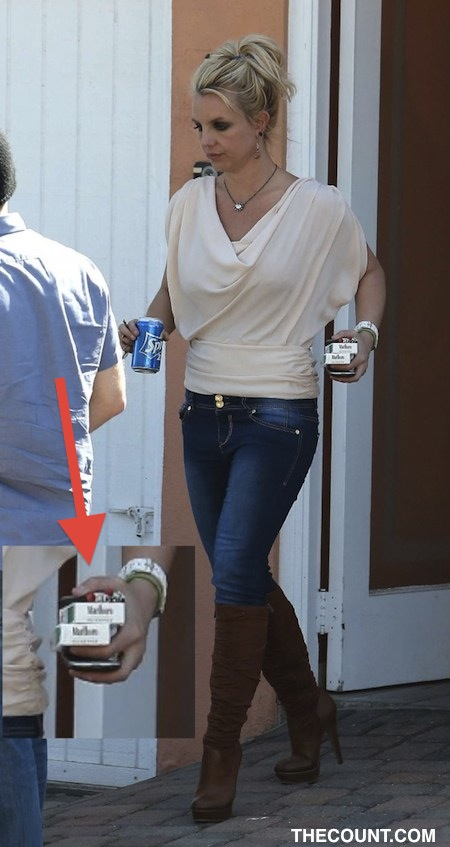Britney Spearsin Jeans And Boots In Malibu13 5601054