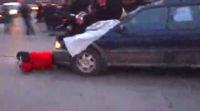 Car plows through protesters during Ferguson rally in south Minneapolis  4