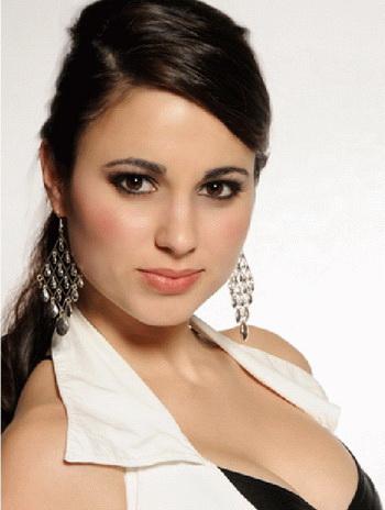 Denise_Garrido_01
