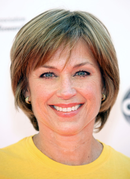 Dorothy+Hamill+Stand+Up+Cancer+Arrivals+QrSye6q28aul