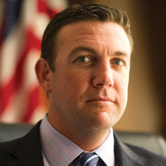 Duncan Hunter vaping U.S. Congressman VAPES While Legislating