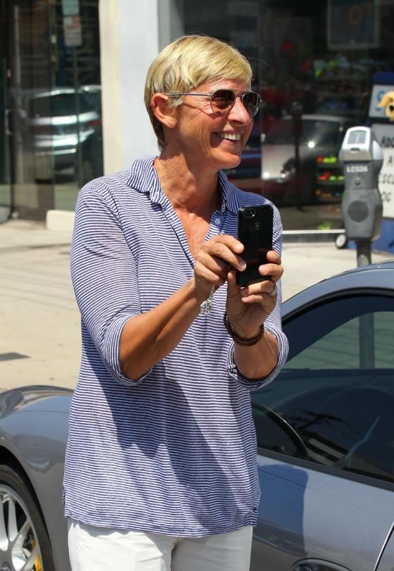Ellen-Degeneres-leaving-Spot-in-West-Hollywood-04-560x811