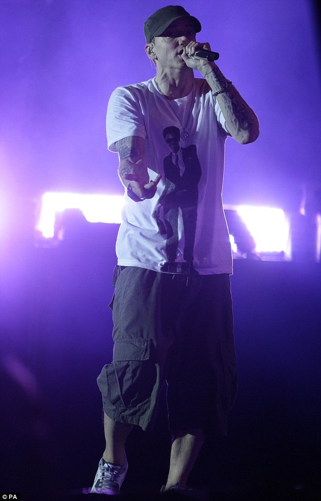 Eminem Eminem BLASTED After REFUSING To Be Filmed! LIP SYNCING?