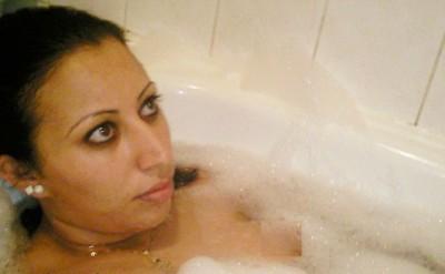 Hasna Ait Boulahcen bubble bath