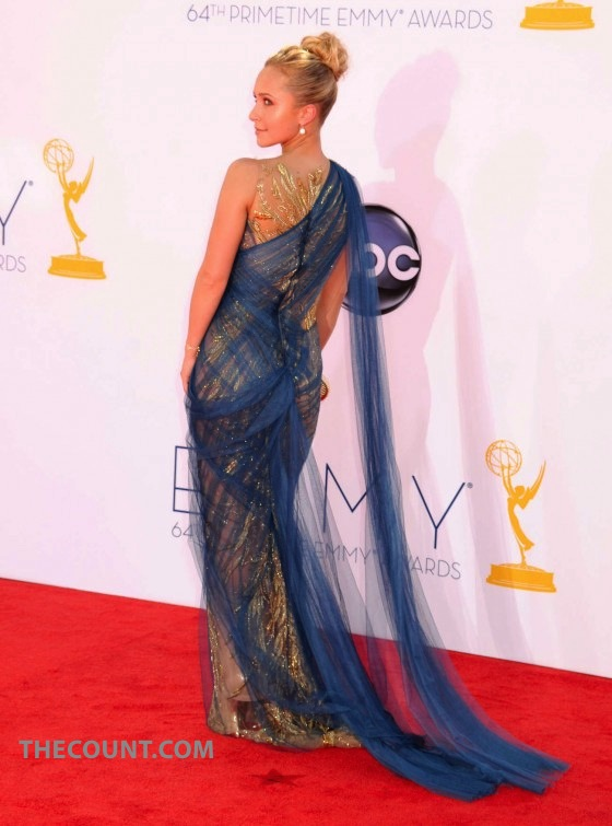 I AM AN AWARD! Hayden Panettiere Goes To EMMYs Dressed Like EMMY!