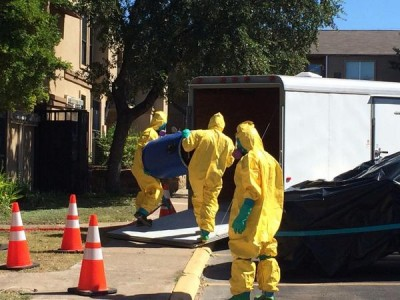 Hazmat team Thomas Duncan Ebola patient apartment  3
