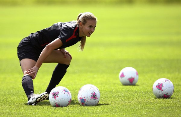 http://thecount.com/wp-content/uploads/Heather-Mitts-Soccer-United-States-.jpeg
