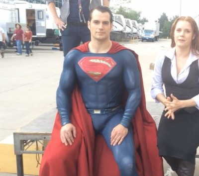 Henry Cavill Takes Ice Bucket Challenge As Superman