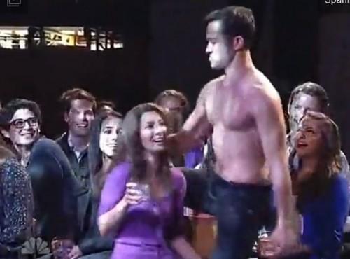 JGL SNL MagicMike 500x370 VIDEO: Joseph Gordon Levitt Magic Mike Dance On SNL