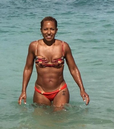 Jada-Pinkett-Adrienne Banfield Jones bikini