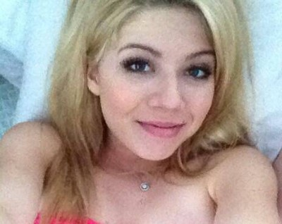 Jennette-McCurdy--Personal-Lingerie-Photos--03