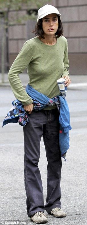 Jennifer Connelly homeless