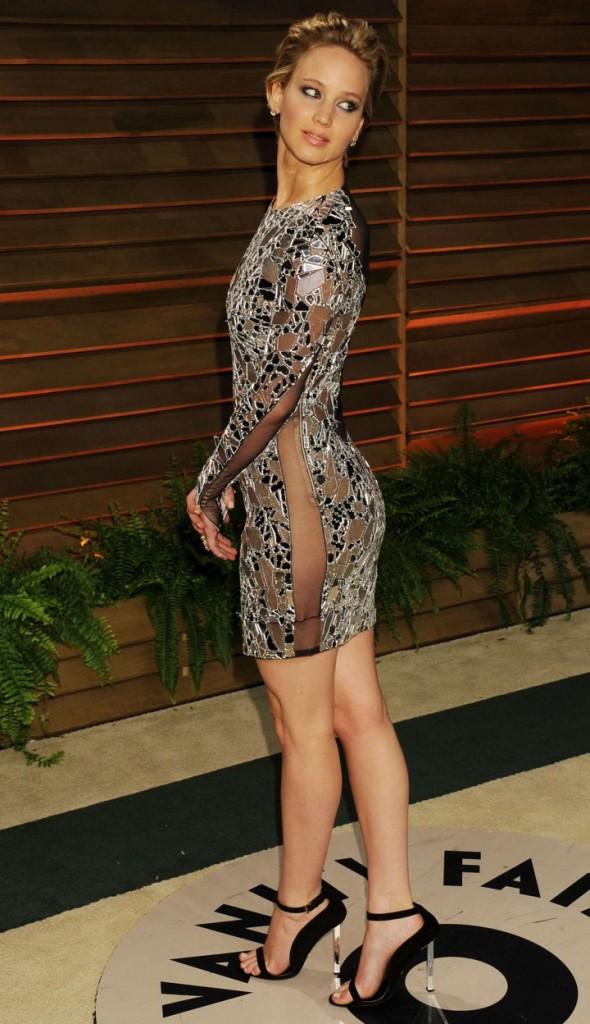 Jennifer-Lawrence--Oscar-2014---Vanity-Fair-Party--13-720x1248