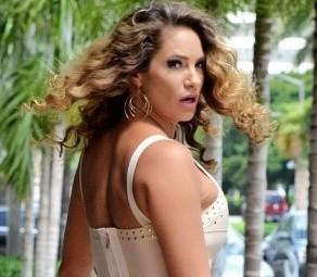 Jennifer-Nicole-Lee---Out-in-Miami--01-560x880