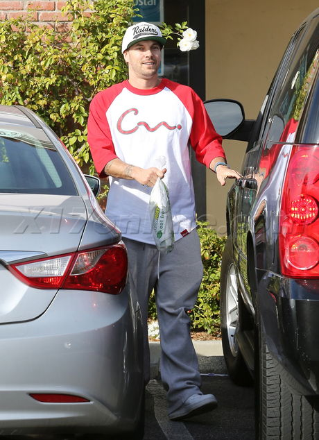 EXCLUSIVE - Kevin Federline goes healthy at Subway