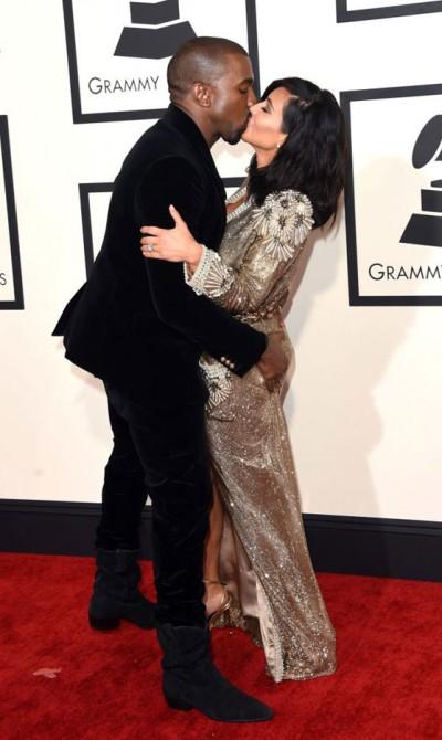Kanye West kissing himself 2