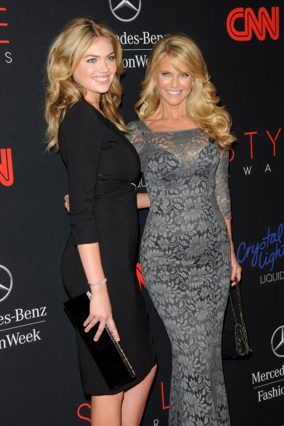 Kate-Upton-and-Christie-Brinkley-at-2013-Style-Awards--30-560x840