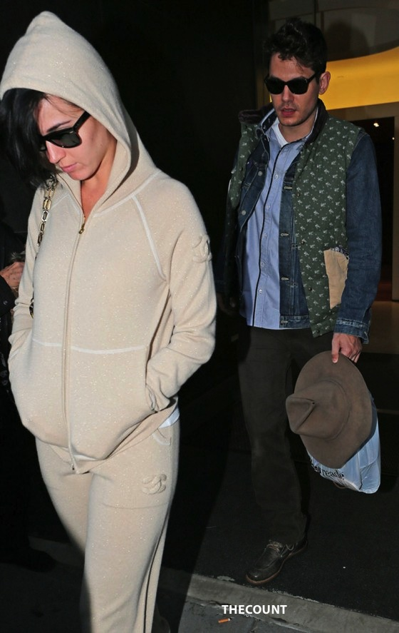 Katy Perry at John Mayers Apartment 02 560x887 Katy Perry: Walk Of Shame