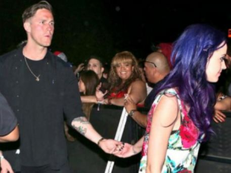 KatyPerryRobert Katy Perry is Hooking Up with THIS Guy
