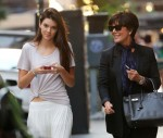 Kendall Jenner - With Her Mom in NYC-08-560x475