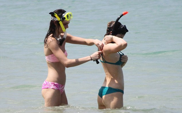 Kendall-and-Kylie-Jenner-Bikini-Photos--2014-in-Thailand--09